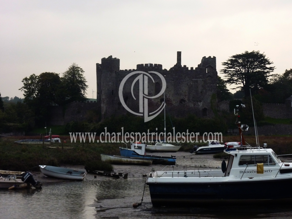 Castle-and-boats